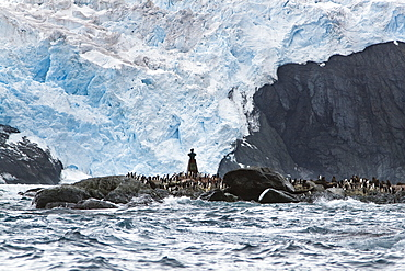 Monument with chilean Lt. Luis Pardo at Point Wild, Shackleton Expedition, Elephant Island, South Shetland Islands, Antarctic Peninsula, Southern Ocean, Antarctica