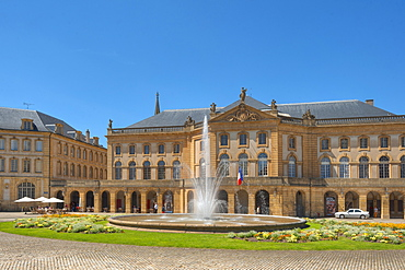 Fountain in front of the opera, Metz, Lorraine, France, Europe