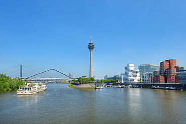 View at the Neuer Zollhof with Gehry buildings, Media harbour, Dusseldorf, Northrhine-Westphalia, Germany, Europe