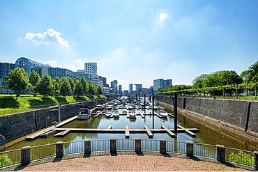 View at the Neuer Zollhof with, Media harbour, Dusseldorf, Northrhine-Westphalia, Germany, Europe