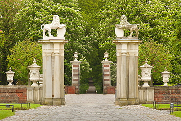 Front gate, Nordkirchen moated castle, Muensterland, North Rhine-Westphalia, Germany, Europe