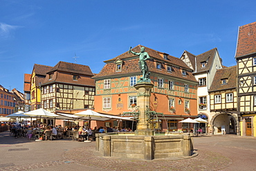 Schwendi well in front of half timbered houses, Colmar, Alsace, France, Europe