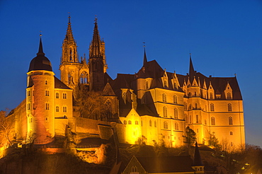Albrechtsburg castle and cathedral at night, Meissen, Saxony, Germany, Europe