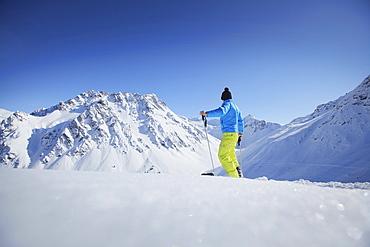 Skier, Ritzenspitzen and Valzifen Valley, Gargellen, Montafon, Vorarlberg, Austria