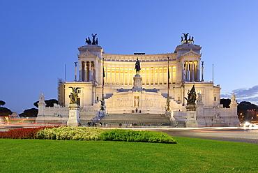 Monument of Vittorio Emanuele II in the evening, illuminated, UNESCO World Heritage Site Rome, Rome, Latium, Lazio, Italy