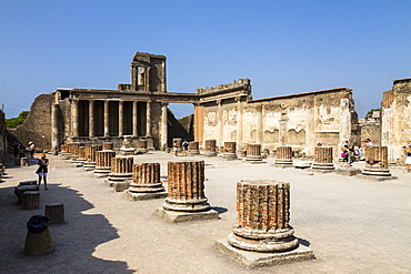 Basilica, historic town of Pompeii in the Gulf of Naples, Campania, Italy, Europe