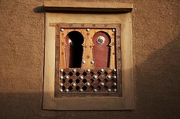 Window of a mud building, Djenne, Mopti region, Mali