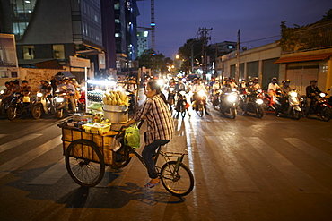 Mobile snack bar in the evening, Ho-Chi-Minh City, Vietnam
