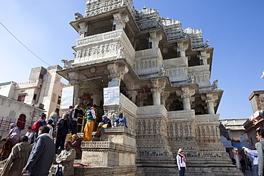 Hindus and tourists at Jagdish Temple, Udaipur, Rajasthan, India