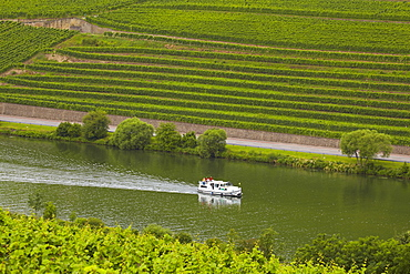 Houseboat on the river Mosel between Germany and Luxembourg near Nittel, Germany, Luxembourg, Europe