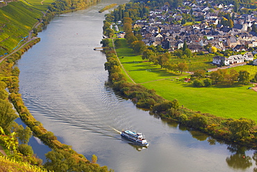 View from Prinzenkopf above Alf to Puenderich and the river Mosel, Rhineland-Palatinate, Germany, Europe
