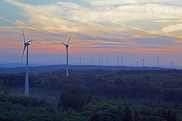 View from Graeberberg to wind turbines on Hartenfelser Kopf at sunset, Westerwald, Rhineland-Palatinate, Germany, Europe