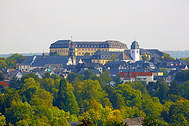 View of Hachenburg with Hachenburg castle, Saynsches Schloss, Maria Himmelfahrt church and Evangelische parish church, Westerwald, Rhineland-Palatinate, Germany, Europe