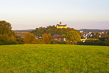 Montabaur castle, Academy of German Cooperative Banks and the church of St. Peter in Ketten, Montabaur, Westerwald, Rhineland-Palatinate, Germany, Europe