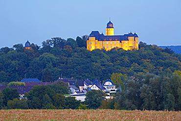 Montabaur castle in the evening, Academy of German Cooperative Banks, Montabaur, Westerwald, Rhineland-Palatinate, Germany, Europe