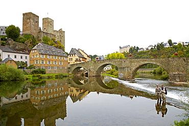 Runkel castle and stone arch bridge, Runkel, Westerwald, Taunus, Hesse, Germany, Europe