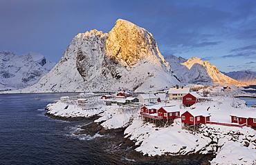 Village of Hamnoy in a winter landscape, Reine, Lilandstindan, Moskenesoya, Lofoten, Nordland, Norway