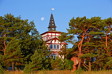 Seaside architecture along the beach promenade, Seaside resort of Binz, Island of Ruegen, Mecklenburg Western Pommerania, Germany