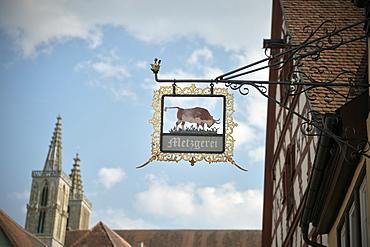 Old butchers sign, Rothenburg ob der Tauber, Romantic Road, Franconia, Bavaria, Germany