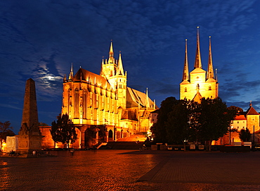 Erfurt Cathedral and Severi Church at night, Cathedral Square, Erfurt, Thuringia, Germany