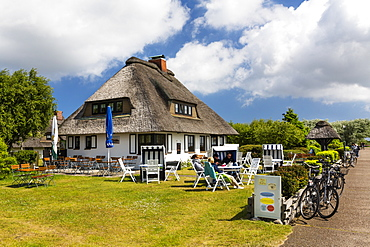 Cafe Teestube with thatched house, Langeoog Island, North Sea, East Frisian Islands, East Frisia, Lower Saxony, Germany, Europe