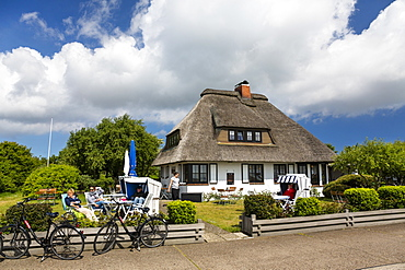 Cafe Teestube with thatched roof, Langeoog Island, North Sea, East Frisian Islands, East Frisia, Lower Saxony, Germany, Europe