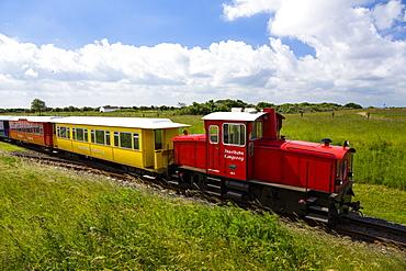 Island train, Langeoog Island, North Sea, East Frisian Islands, East Frisia, Lower Saxony, Germany, Europe