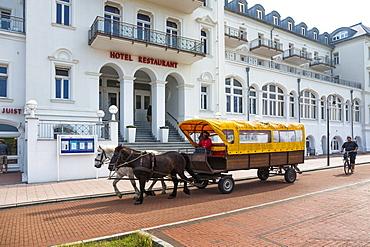 Spa Hotel, horse and cart, Juist Island, Nationalpark, North Sea, East Frisian Islands, East Frisia, Lower Saxony, Germany, Europe