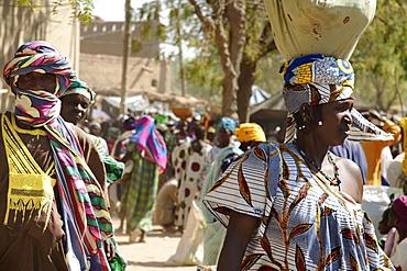 Women, Monday Market, Djenne, Mali