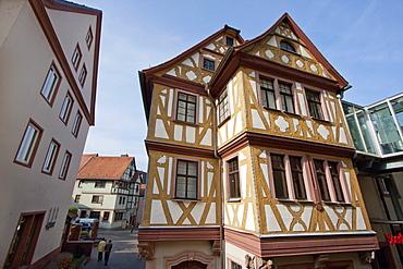 Haus zu den Vier Gekrönten, Wertheim am Main, Baden-Württemberg, Germany