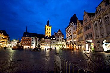 St. Gangolf Church & Hauptmarkt (Main Market) square at night, Trier, Rhineland-Palatinate, Germany