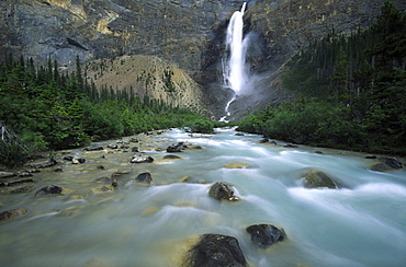 Takakkaw Falls, Yoho National Park, Golden, Rocky Mountains, British Columbia.