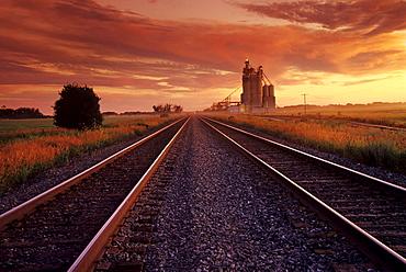Double Rail Track and Inland Grain Terminal, near Portage la Prairie, Manitoba