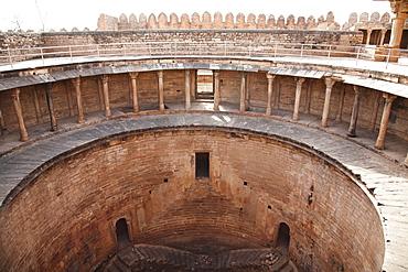 Fort: Water tank of the Vishnu Temple, Gwalior, Madhya Pradesh, India