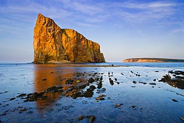 Perce Rock at sunset, Parc national de l'Ile-Bonaventure-et-du-Rocher-Perce, Perce, Gaspesie, Quebec