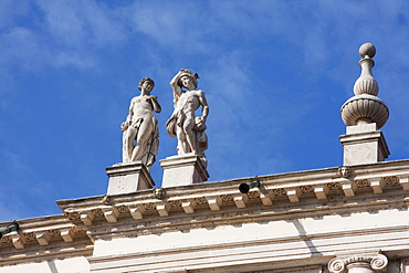 Statues atop the Palazzo Chiericati by architect Andrea Palladio, Vicenza, Italy