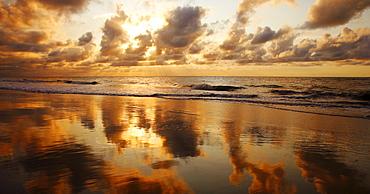 Hawaii, Maui, Kihei, Sunset at Kamaole Beach One.