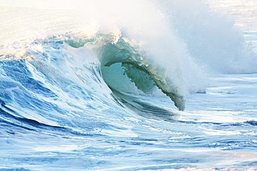 Hawaii, Oahu, Beautiful wave breaking.