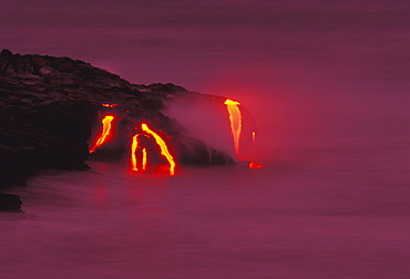Hawaii, Big Island, Kilauea Volcano, lava flows into ocean