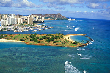 Hawaii, Oahu, Aerial of Diamond Head, Waikiki and Magic Island, Blue reef