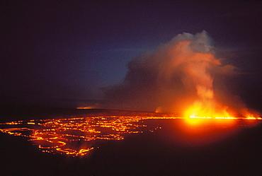 Hawaii, Big Island, Hawaii Volcanoes National Park, Kilauea Volcano eruption, smoke, lava flow at night