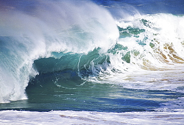 Hawaii, Oahu, North Shore, Wild and crashing winter waves.