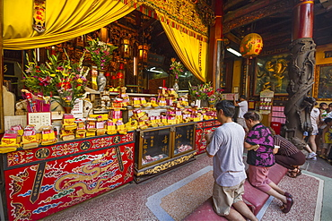 People praying at a shrine in the Altar of Heaven (Tiantan), Tainan, Taiwan