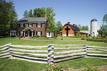 Home And Barn, Charlotte, North Carolina