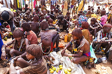 Hamer women at the weekly market in Turmi, Omo Valley, Turmi, Southern Nations Nationalities and Peoples' Region, Ethiopia