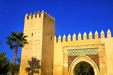 Gate near King's Palace, Fez, Morocco, North Africa, Africa