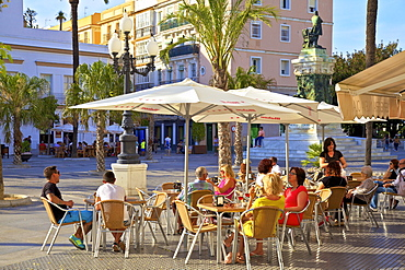 Cafe, Plaza de San Juan de Dios, Cadiz, Cadiz Province, Andalucia, Spain, Europe
