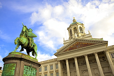 Statue of Godfrey of Bouillon, Place Royale, Brussels, Belgium, Europe