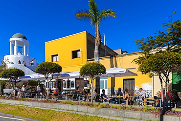 El Penon del Fraile and Cafe, Old Town, Puerto de la Cruz, Tenerife, Canary Islands, Spain, Atlantic Ocean, Europe
