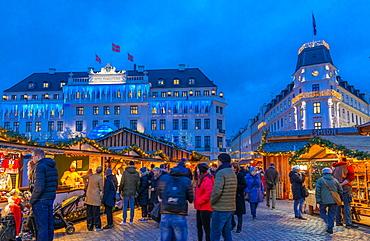 Christmas Market near Hotel D'Angleterre, Copenhagen, Denmark, Scandinavia, Europe
